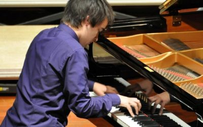 Playing Chopin Ballade no.1, in Piano Recital at Porto Music Conservatory (February 2012)